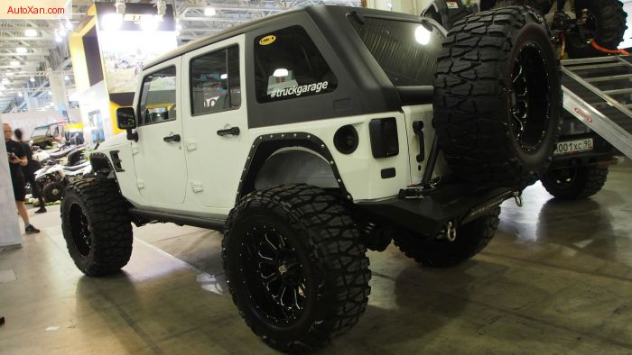 jeep rubicon 2015 lifted. jeep wrangler rubicon lifted on 40 inch tires offroad tuning moscow show 2015