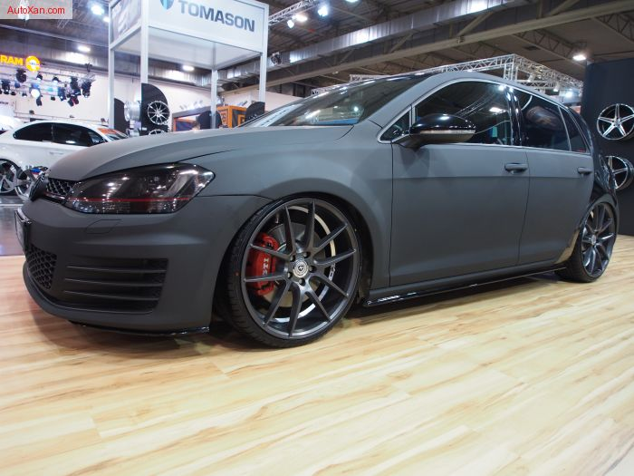 Volkswagen Golf 7R Black Artform a Fashion Statment MMConcepts