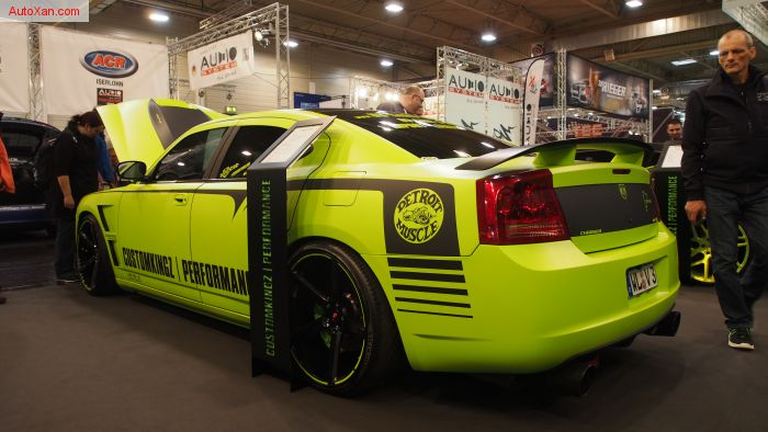 Dodge Charger SRT8 Tuning by CustomKingz - CPE 750 SC Superbee 6.4 755ps - Vossen VPS-303 R22