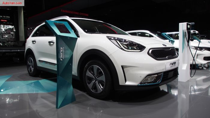 Kia Niro Plug-In Hybrid 1.6L GDI Style EX 4-Door FWD SUV